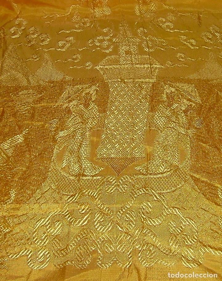 Antigüedades: Colcha antigua tipo seda motivos orientales.Amarilla,ocre. - Foto 4 - 152575618