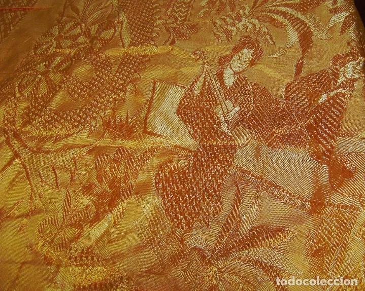 Antigüedades: Colcha antigua tipo seda motivos orientales.Amarilla,ocre. - Foto 3 - 152575618