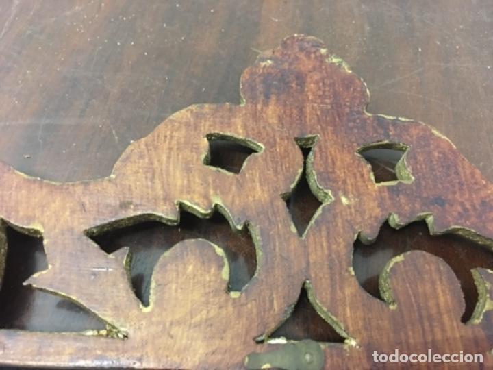 Antigüedades: Excelente y Antiguo Marco porta fotos de madera y dorado pan de oro 32x34 ventana 23x16,5 - Foto 11 - 152629774
