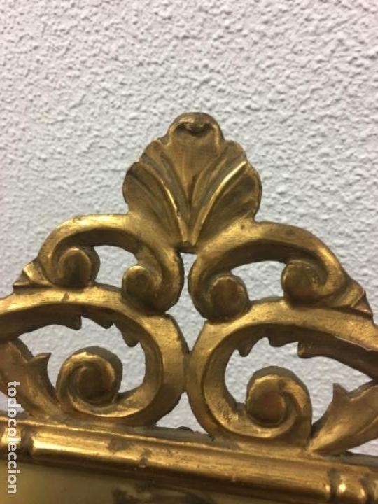 Antigüedades: Excelente y Antiguo Marco porta fotos de madera y dorado pan de oro 32x34 ventana 23x16,5 - Foto 4 - 152629774