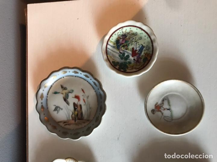 Antigüedades: Lote de platos antiguos decorativos - Foto 3 - 152681472