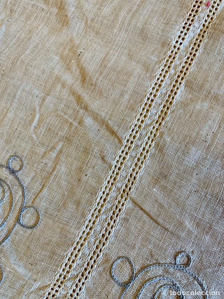 Antigüedades: Antigua cortina o visillo bordada a mano Art Déco, España, circa 1920 - Foto 3 - 152717268
