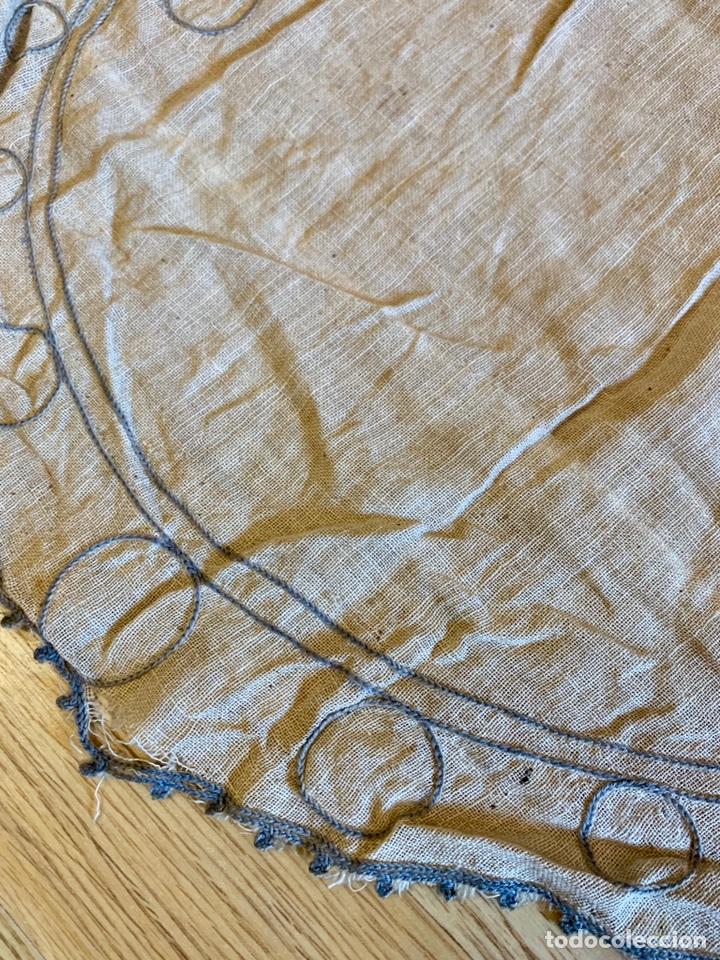 Antigüedades: Antigua cortina o visillo bordada a mano Art Déco, España, circa 1920 - Foto 4 - 152717268