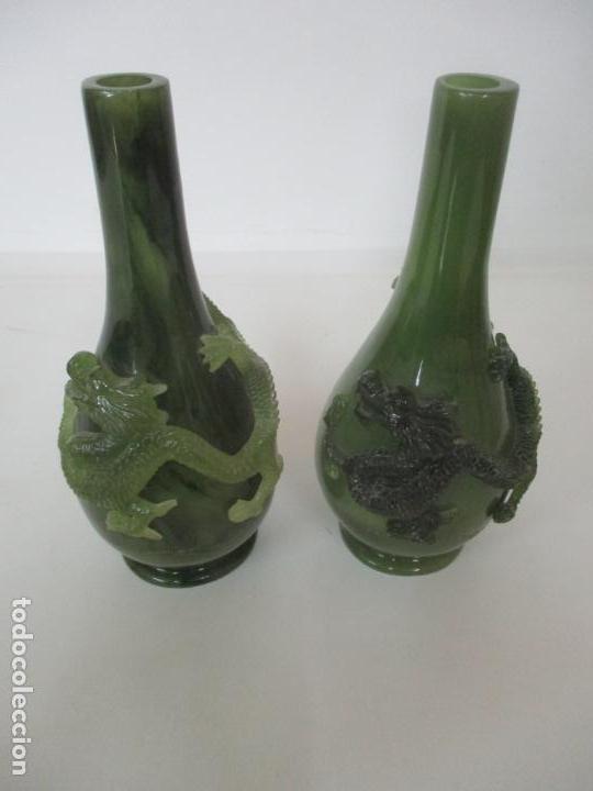Antigüedades: Pareja de Jarrones Chinos - Resina símil Jade - Jarrón Decorado con Dragón - Foto 16 - 152796982
