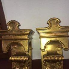 Antigüedades: PAREJA DE PEANAS O MÉNSULAS MADERA Y PAN DE ORO. Lote 152881454
