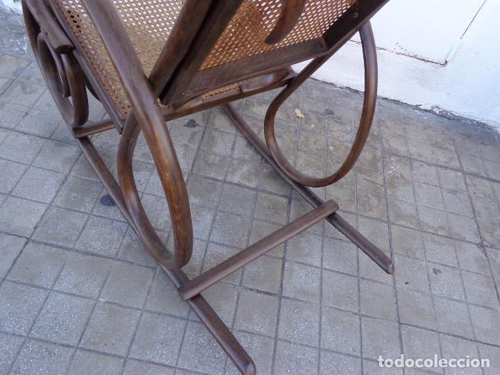 Antigüedades: MUY ANTIGUA PRINCIPIOS 1900 BONITA E IMPORTANTE MECEDORA THONET COMPLETA Y EN BUEN ESTADO - Foto 6 - 152883802