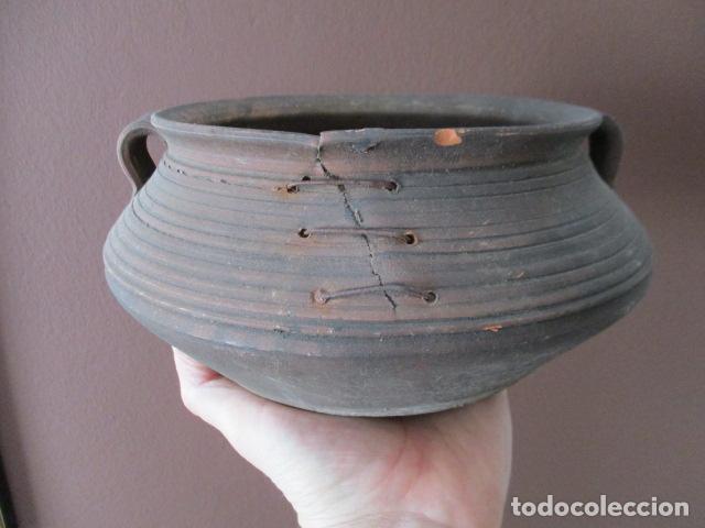 PRECIOSO, ANTIGUO MACETERO CATALÁN DE CERÁMICA - NUMERADO (Antigüedades - Hogar y Decoración - Maceteros Antiguos)