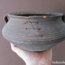 Antigüedades: PRECIOSO, ANTIGUO MACETERO CATALÁN DE CERÁMICA - NUMERADO. Lote 152905054