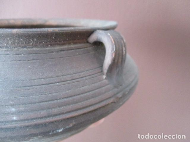 Antigüedades: PRECIOSO, ANTIGUO MACETERO CATALÁN DE CERÁMICA - NUMERADO - Foto 5 - 152905054