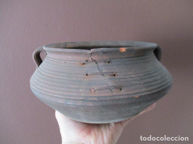 Antigüedades: PRECIOSO, ANTIGUO MACETERO CATALÁN DE CERÁMICA - NUMERADO - Foto 10 - 152905054