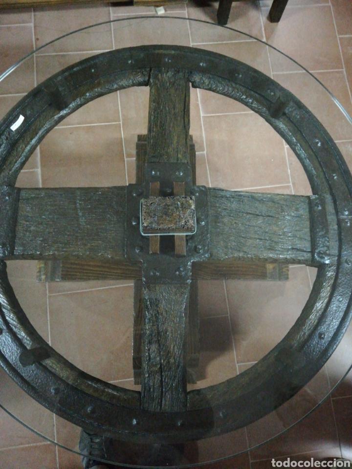 Antigüedades: Mesa rueda carro - Foto 5 - 152933072