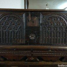 Antigüedades: ARCA RETALLADA CASTAÑO. Lote 152933862