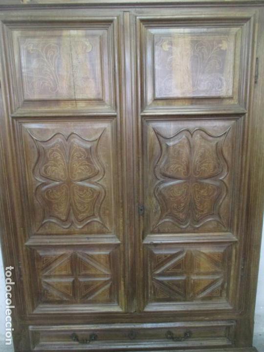 Antigüedades: Antiguo Armario Catalán, Barroco - Armario Empotrado - Puertas y Marco - Madera Nogal - Año 1768 - Foto 2 - 153012338