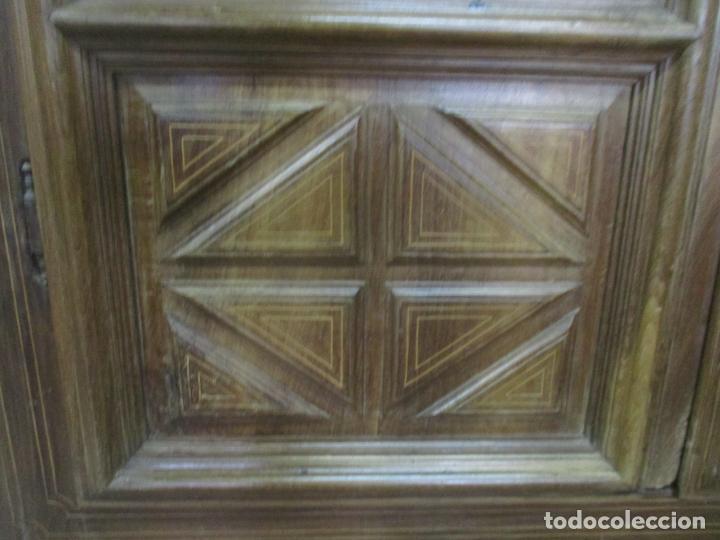 Antigüedades: Antiguo Armario Catalán, Barroco - Armario Empotrado - Puertas y Marco - Madera Nogal - Año 1768 - Foto 9 - 153012338