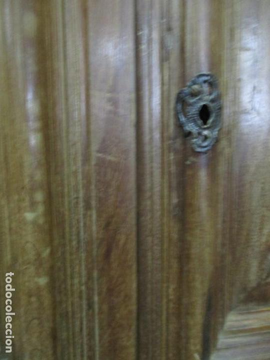 Antigüedades: Antiguo Armario Catalán, Barroco - Armario Empotrado - Puertas y Marco - Madera Nogal - Año 1768 - Foto 19 - 153012338