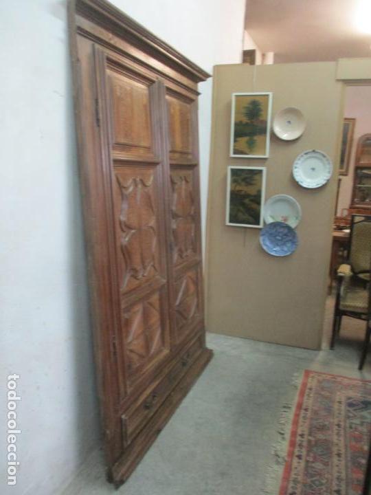 Antigüedades: Antiguo Armario Catalán, Barroco - Armario Empotrado - Puertas y Marco - Madera Nogal - Año 1768 - Foto 24 - 153012338