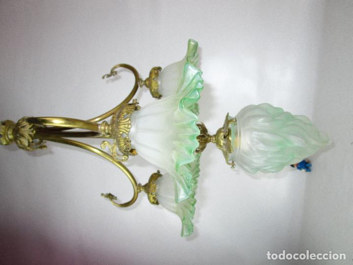 Antigüedades: EXCEPCIONAL LAMPARA RESTAURADA MODERNISTA EN BRONCE Y CRISTAL VERDE CIRCA 1920 BIBLIOTECA SALON - Foto 3 - 153045026