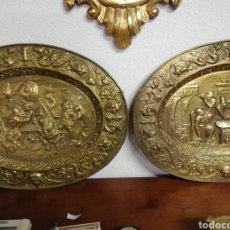 Antigüedades: PAREJA DE PLATOS DORADOS. Lote 153071708