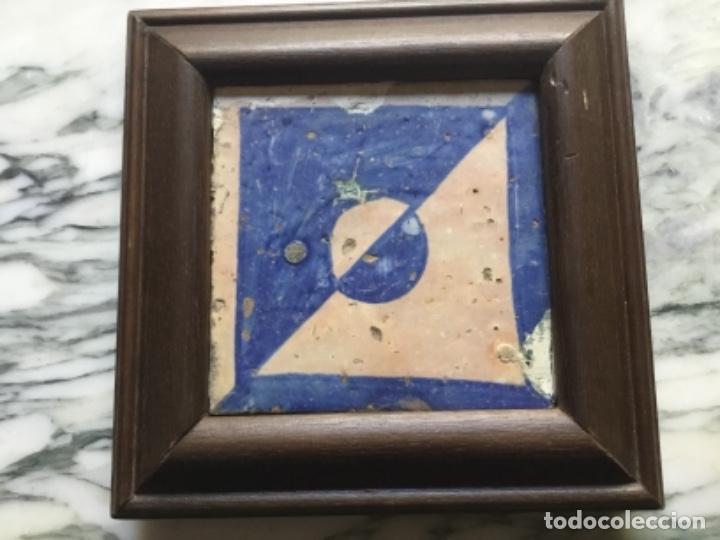 AZULEJO GOTICO VALENCIANO ENMARCADO (Antigüedades - Porcelanas y Cerámicas - Azulejos)