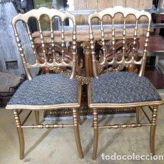 Antigüedades: PAREJA DE SILLAS ANTIGUAS EN DORADO . Lote 153182846