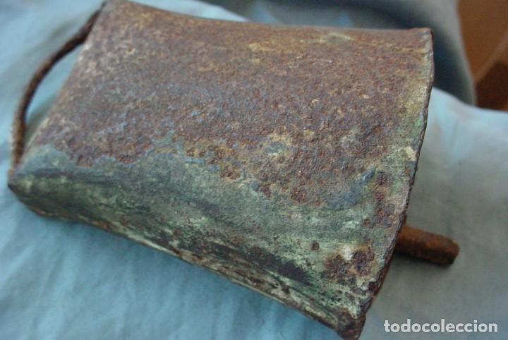Antigüedades: Cencerro metálico antiguo - Foto 3 - 153186862