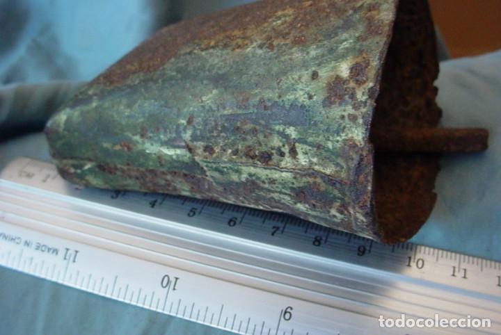 Antigüedades: Cencerro metálico antiguo - Foto 8 - 153186862