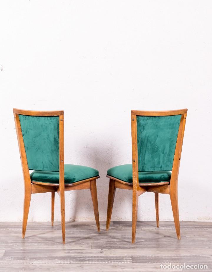 Pareja De Sillas Vintage Tapizadas Buy Antique Chairs At