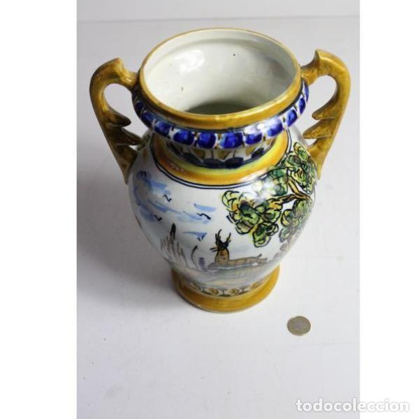 Antigüedades: Antiguo jarrón de cerámica pintado a mano - Foto 6 - 153250378