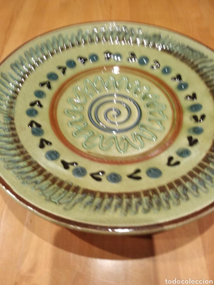 PLATO DE CERÀMICA DE LA BISBAL (Antigüedades - Porcelanas y Cerámicas - La Bisbal)
