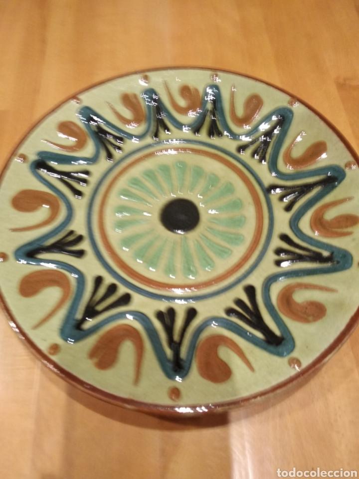 PLATO DE LA BISBAL (Antigüedades - Porcelanas y Cerámicas - La Bisbal)