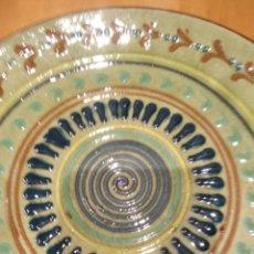 Antigüedades: PLATO DE CERÁMICA DE LA BISBAL.. Lote 153253065