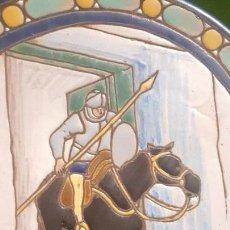 Antigüedades: ANTIGUO PLATO CUERDA SECA DE TRIANA CON ESCENA DEL QUIJOTE - POSIBLEMENTE SANTA ANA. Lote 153275642