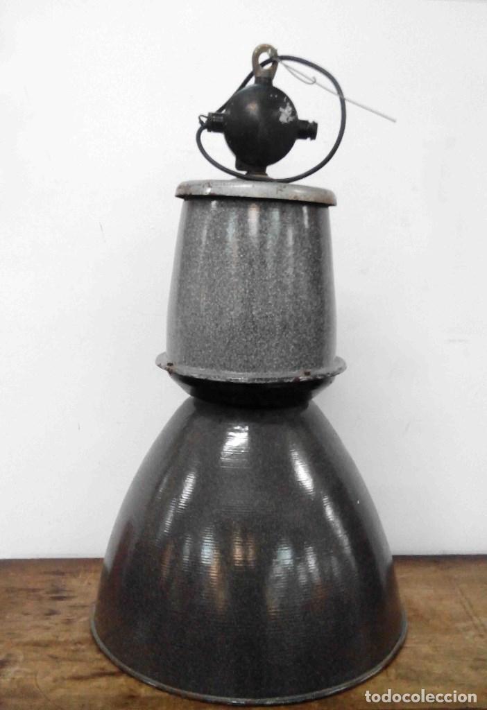 LÁMPARA INDUSTRIAL COLGAR (Antigüedades - Iluminación - Lámparas Antiguas)