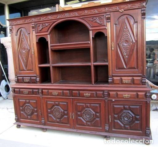 Antigüedades: Aparador librero antiguo en madera de nogal - Foto 2 - 153343686
