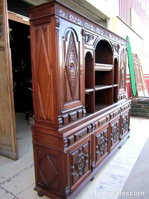 Antigüedades: Aparador librero antiguo en madera de nogal - Foto 7 - 153343686