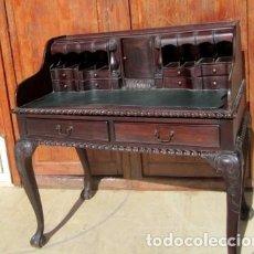 Antigüedades: ESCRITORIO ESTILO CHIPENDALE, MADERA TALLADA . Lote 153360654