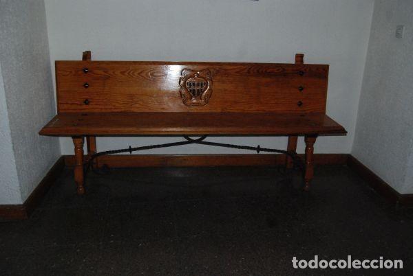 BANCO DE MADERA CON LOGOTIPO CAJA SEGOVIA. (Antigüedades - Muebles Antiguos - Sofás Antiguos)