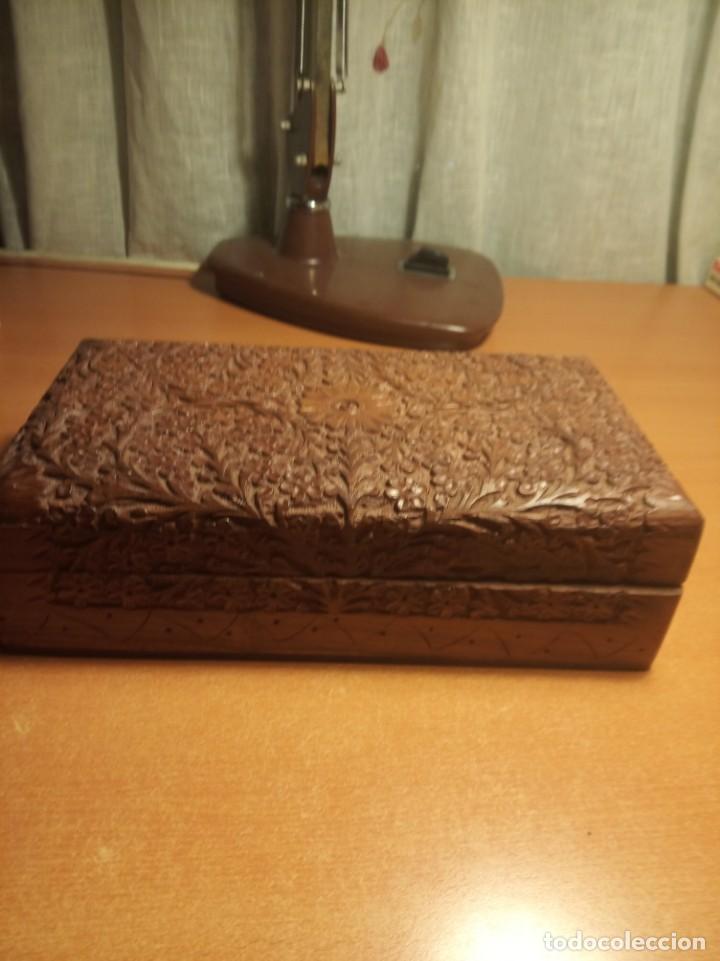 CAJA MADERA TALLADA (Antigüedades - Hogar y Decoración - Cajas Antiguas)