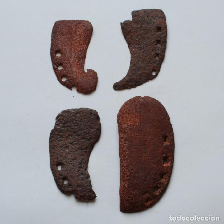 4 ANTIGUAS HERRADURAS DE VACA DE DISTINTOS TAMAÑOS (Antigüedades - Técnicas - Rústicas - Ganadería)