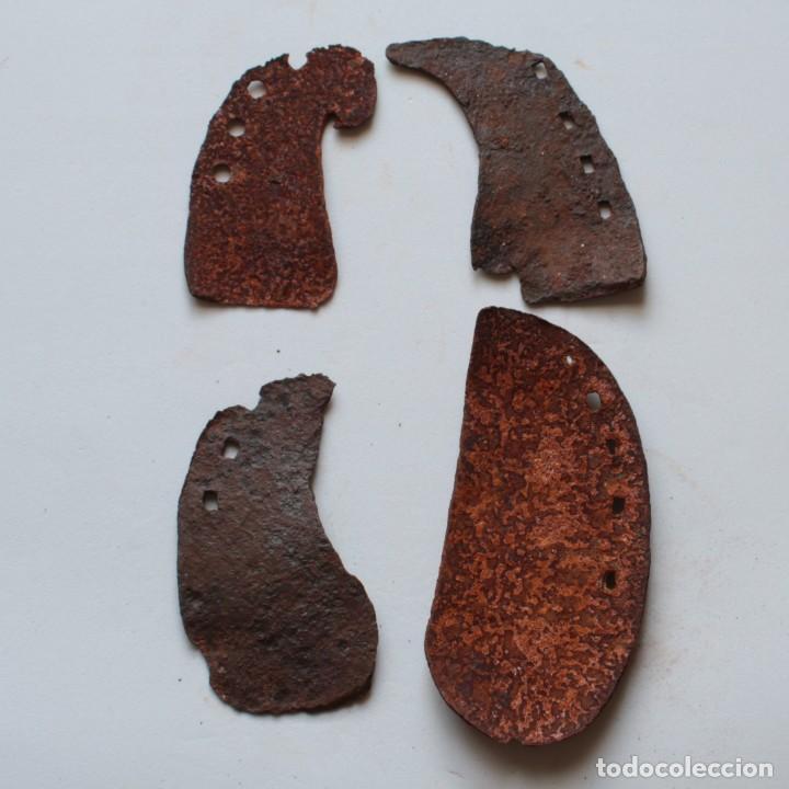 Antigüedades: 4 ANTIGUAS HERRADURAS DE VACA DE DISTINTOS TAMAÑOS - Foto 2 - 153439610
