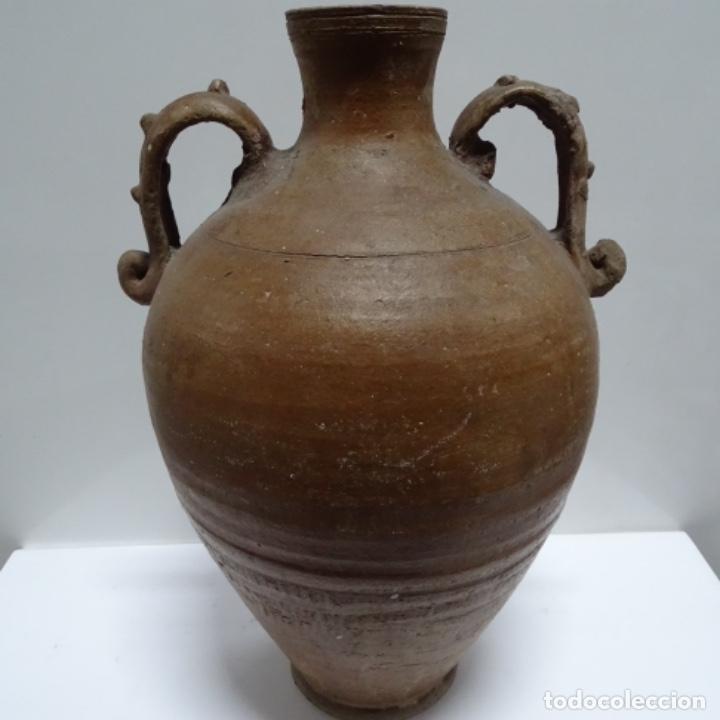 ANTIGUA TINAJA CON ASAS DE BARRO.POR DETERMINAR PROCEDENCIA. (Antigüedades - Porcelanas y Cerámicas - Otras)