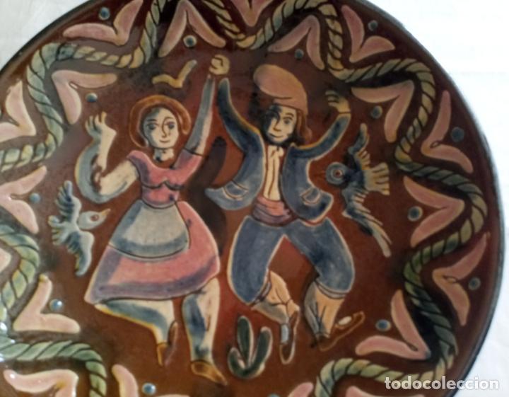 Antigüedades: PLATO CERAMICA DECORACION SARDANISTA - VILA CLARA - 31.5 CMS - Foto 7 - 153530994