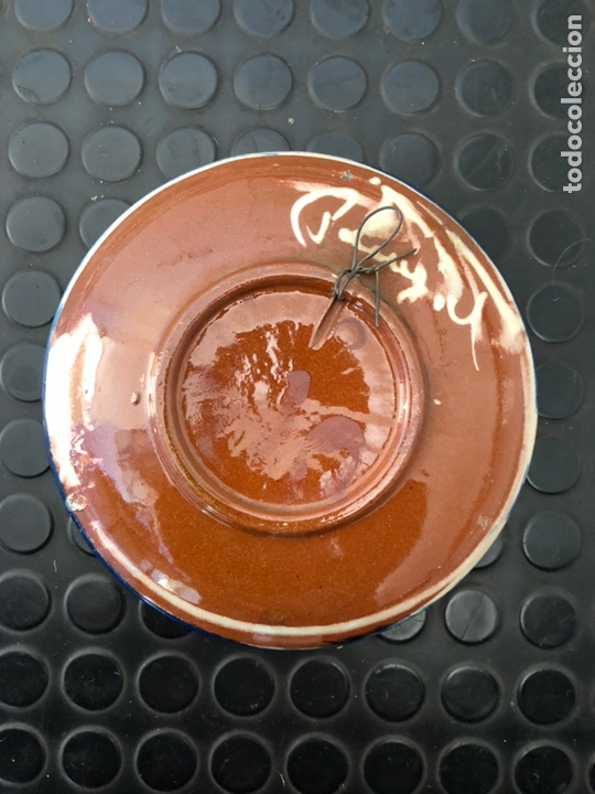 Antigüedades: Plato cerámica vidriada. Pez firmado Puigdemont - Foto 2 - 153535540