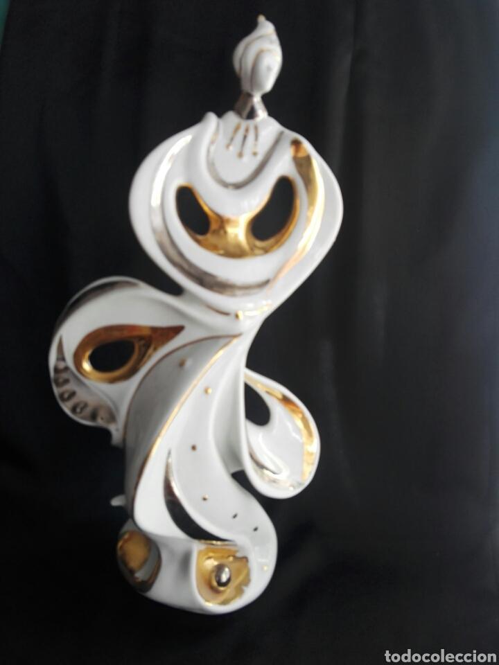 Antigüedades: Gran figura porcelana arlequin pintura al oro Galos 38,5 cm altura - Foto 8 - 153552308