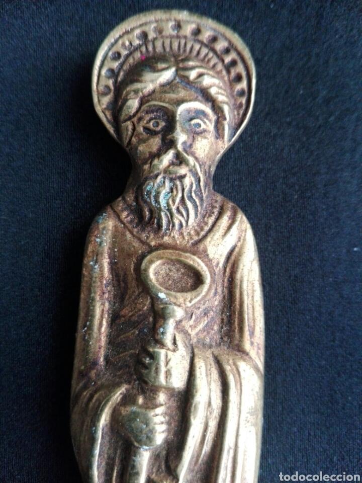 Antigüedades: Gran abrecartas pincho punta bronce unico Apostol San Pedro en bronce escribania - Foto 3 - 153553180