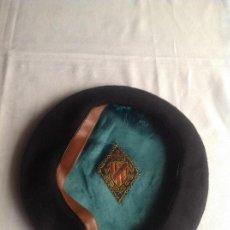 Antigüedades: ANTIGUA BOINA MARCA LA ENCANTADA. Lote 142702490