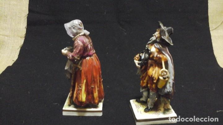 PAREJA DE MENDIGOS DE CAPODIMONTE (Antigüedades - Porcelana y Cerámica - Alemana - Meissen)