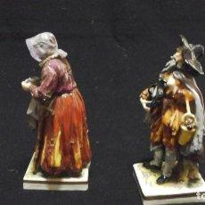 Antigüedades: PAREJA DE MENDIGOS DE CAPODIMONTE. Lote 153588102