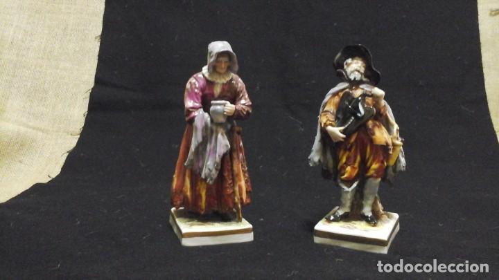Antigüedades: Pareja de mendigos de Capodimonte - Foto 3 - 153588102