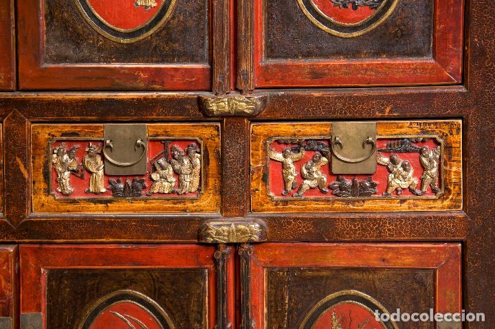 Antigüedades: ARMARIO ORIENTAL. MADERA TALLADA Y POLICROMADA - Foto 4 - 153614018